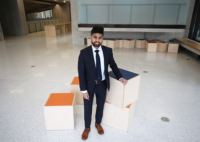 Mehran Hydary (ElecE 1T4 + PEY), blockchain delivery lead at Deloitte Canada, is one of many alumni sharing career insights at the Faculty's first Graduate Engineering Networking Series on data analytics and artificial intelligence. (Credit: Liz Do)